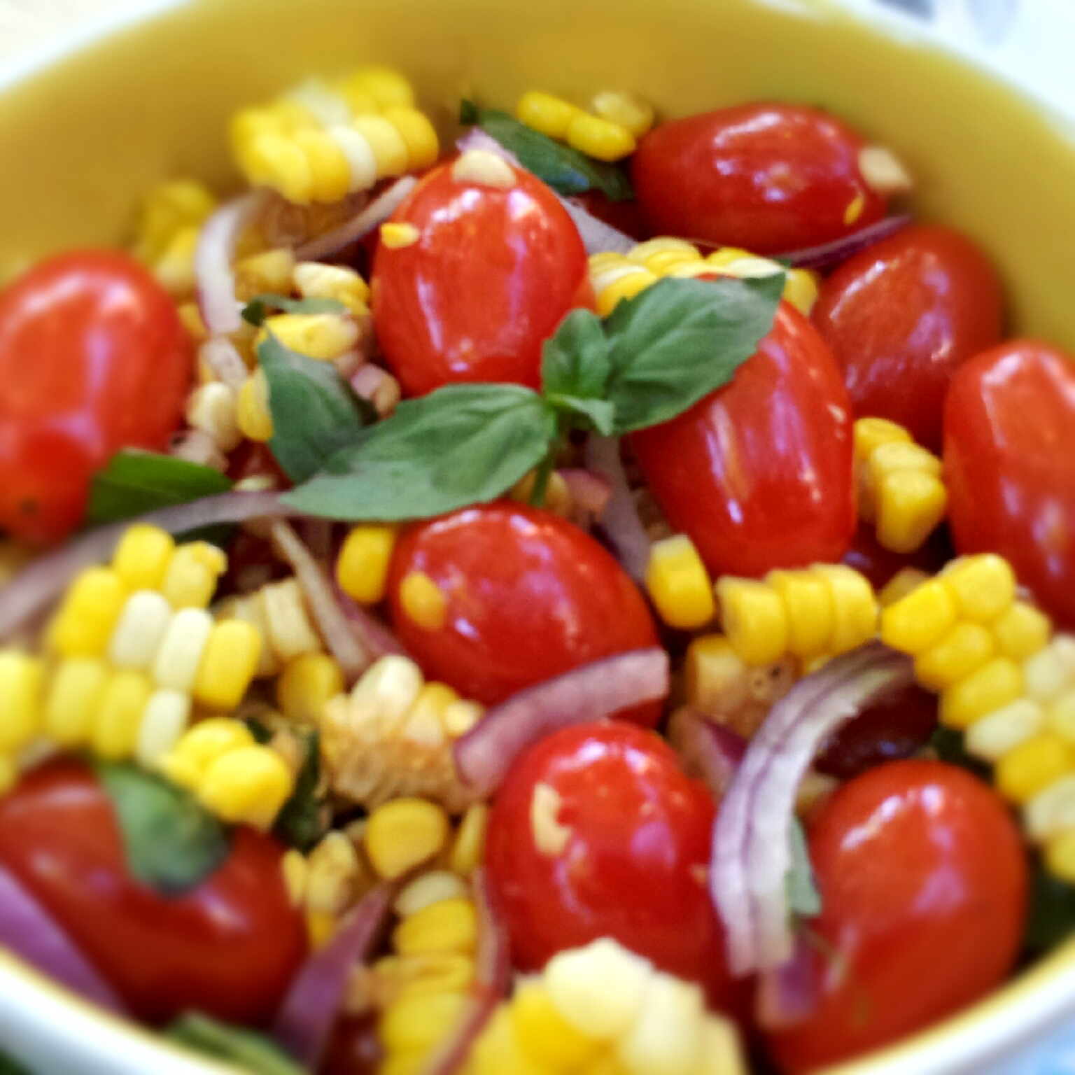 Candied Balsamic Tomato & Sweet Corn Salad - Dining at my Desk