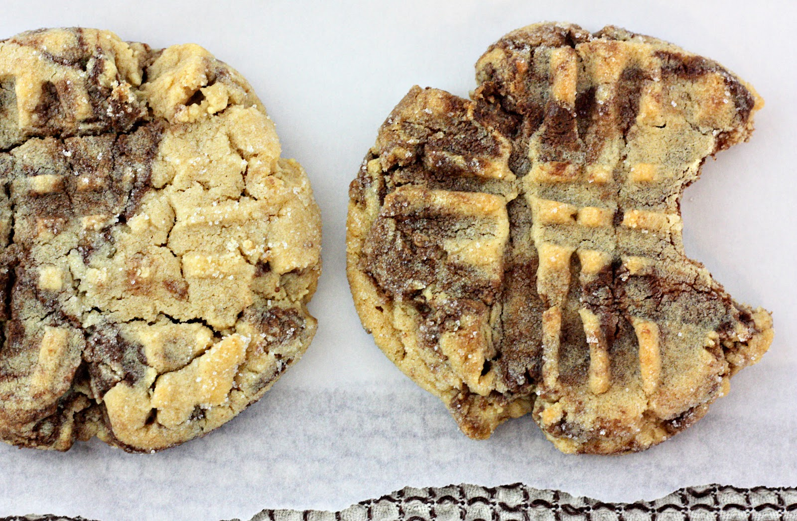 ... : Day 8 - Peanut Butter and Nutella Swirl Cookies - Dining at my Desk